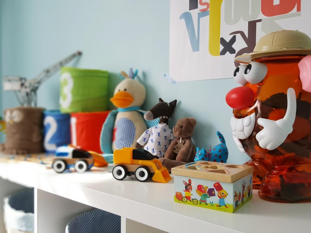 chambre de bébé meuble jouets