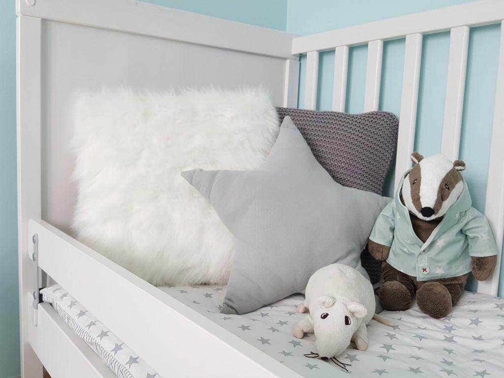 chambre de bébé lit barreaux sundvik